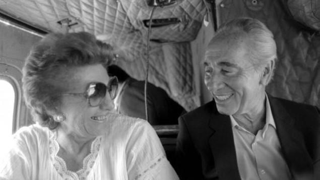 Shimon Peres et sa femme Sonia, défunte (Crédit : Bureau de Presse du Gouvernement)