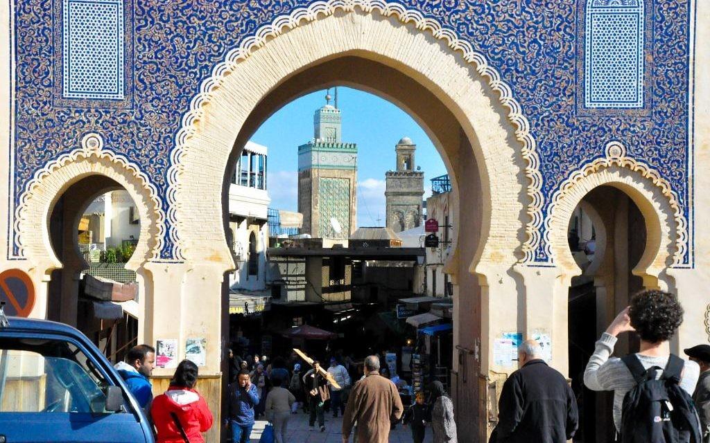 """La vieille ville de Fès est un site du patrimoine mondial de l'UNESCO. Souvent appelée l' """"Athènes d'Afrique,"""" la ville était connue pour ses artisans juifs, musulmans et berbères  (Crédit : Michal Schmulovich/Times of Israel)"""