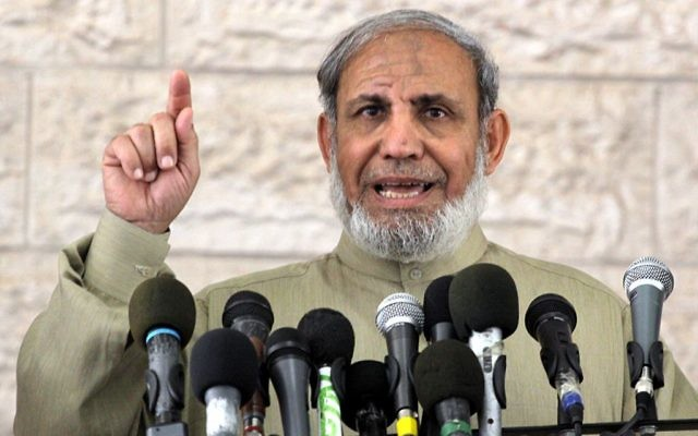 Mahmoud Al-Zahar, cofondateur du Hamas, à Gaza, en février 2010. (Crédit : Abed Rahim Khatib/Flash90)