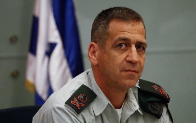 Le directeur des Renseignements militaires, le général Aviv Kochavi, lors d'une réunion du Comité des Affaires étrangères et de la sécurité, le 8 août 2013. (Crédit : Hadas Parush/Flash90)