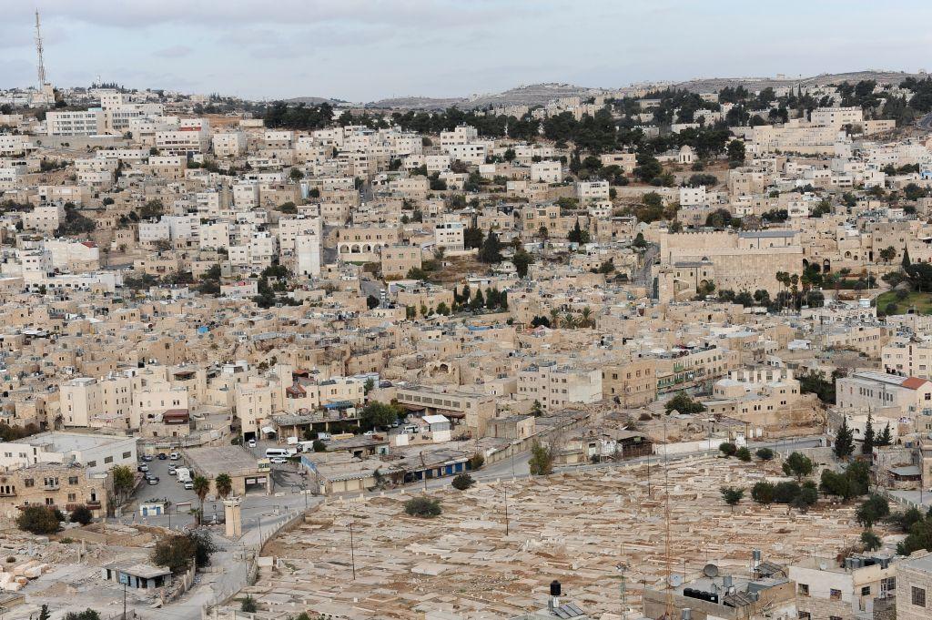 Une vue sur le Caveau des Patriarches à Hebron, le 29 novembre 2013 (Crédit : Mendy Hechtman/FLASH90)