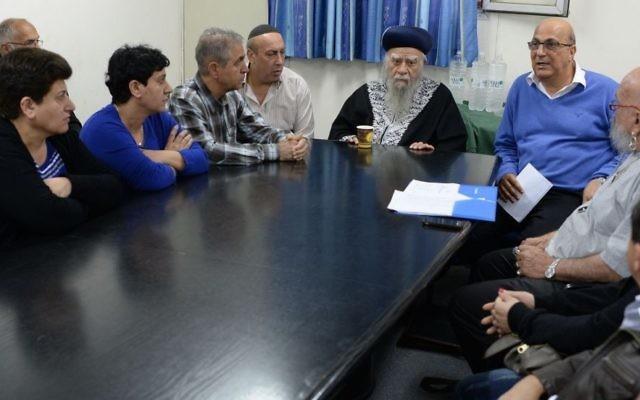 Les familles des juifs Iraniens disparus avec David Meidan le 20 mars 2014 (Crédit : autorisation)