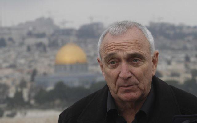 Le ministre de la Sécurité publique Yitzhak Aharonovitch (Crédit : Flash 90)