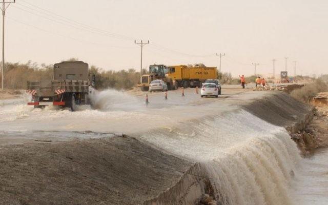 Des inondations dans le sud d'Israël (Crédit photo : Gili Yaari/Flash90)