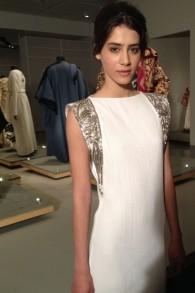 Une robe de mariée inspirée par un châle de prière, de Maskit (Crédit : Jessica Steinberg/Times of Israel)