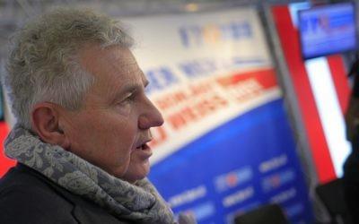Andreas Mölzer, député européen du parti d'extrême droite autrichien FPÖ, le 18 novembre 2013 (Crédit : Alexander Klein/AFP)