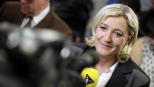 La présidente du parti français d'extrême-droite, le Front National, Marine Le Pen, à Nanterre, le 30 mars 2014 (Crédit : Kenzo Tribouillard/AFP)