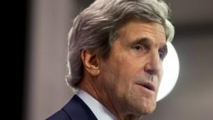 Le secrétaire d'État américain John Kerry s'exprime à l'OTAN à Bruxelles, le 1er avril 2014 (Crédit : Jacquelyn Martin/POOL/AFP Photo)
