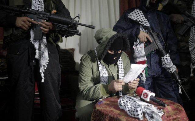 Conférence de presse de la brigade des Martyrs d'Al-Aqsa, branche armée liée au Fatah (Crédit : JAAFAR ASHTIYEH/AFP)