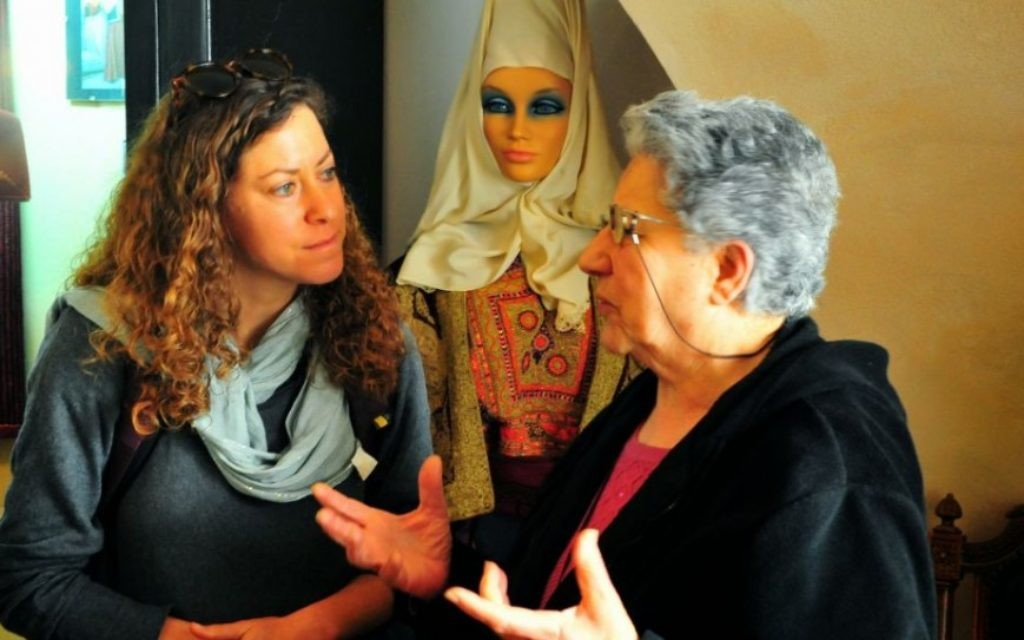 Des explications sur la vie arab traditionnelle à Bethléem  (Crédit: copyright/Bruce Shaffer)
