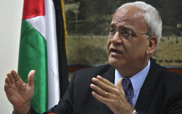 Le négociateur en chef palestinien Saeb Erekat en 2010 (Crédit : Issan Rimawi / Flash90)