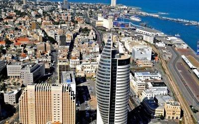 Le bas de la ville de Haïfa (Crédit : CC BY Zvi Roger/Municipalité de Haïfa)