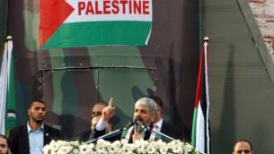 Le leader du Hamas en exil, Khaled Meshaal à Gaza (Crédit : Abed Rahim Khatib/Flash90)