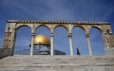 La mosquée d'Al-Aqsa sur le mont du Temple, à Jérusalem. (Crédit : AFP)