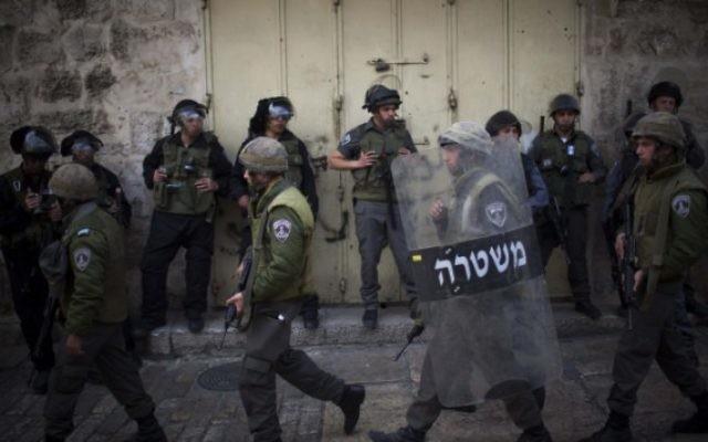 La police des frontières israélienne dans la Vieille Ville de Jérusalem (Crédit : Yonatan Sindel/Flash 90)