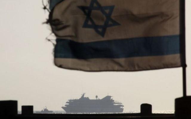 Le Mavi Marmara au large des côtes d'Israël, en mai 2010. (Crédit : Kobi Gideon/Flash90)