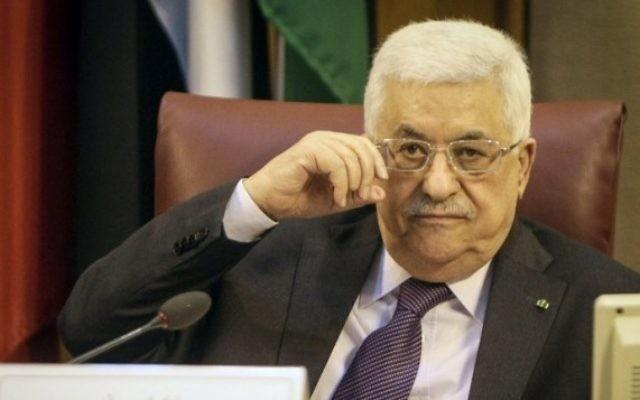 Mahmoud Abbas à la Ligue arabe au Caire (Crédit : Mohamed El-Shahed/AFP)