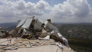 Matériel détruit dans l'implantation d'Yitzhar (Crédit Flash 90)