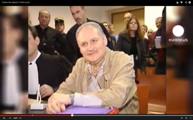 lich Ramírez Sánchez, ou Carlos le Chacal, lors de son procès en 2000 (Crédit : capture d'écran Youtube/euronews)