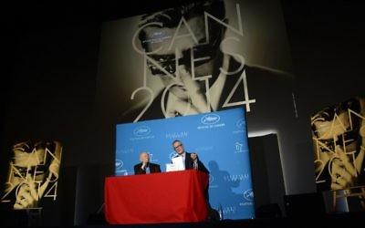 Thierry Frémaux, délégué général du Festival de Cannes  (à droite) et le président du festival Gilles Jacob  (Crédit : Bertrand Guay/AFP)