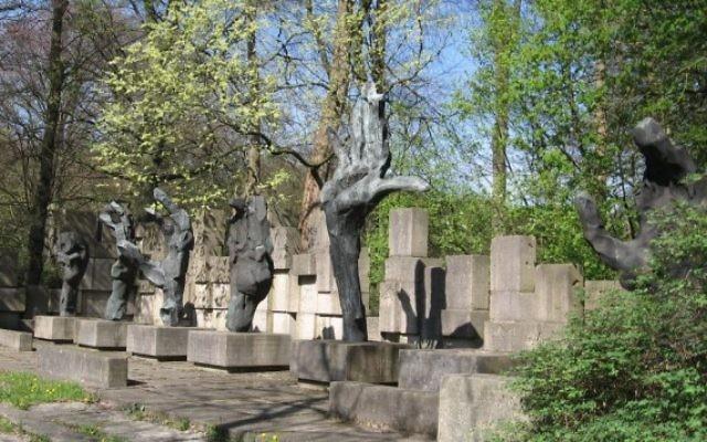 Un monument juif à Groningen aux Pays Bas (Crédit : ZanderZ Wikimedia commons)