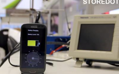 Démonstration du système développé par StoreDot (Crédit : capture d'écran YouTube)