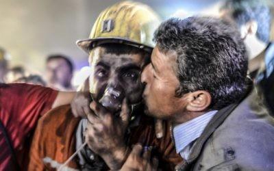 Explosion d'une mine à Soma, en Turquie - 14 mai 2014 (Crédit : BULENT KILIC / AFP)