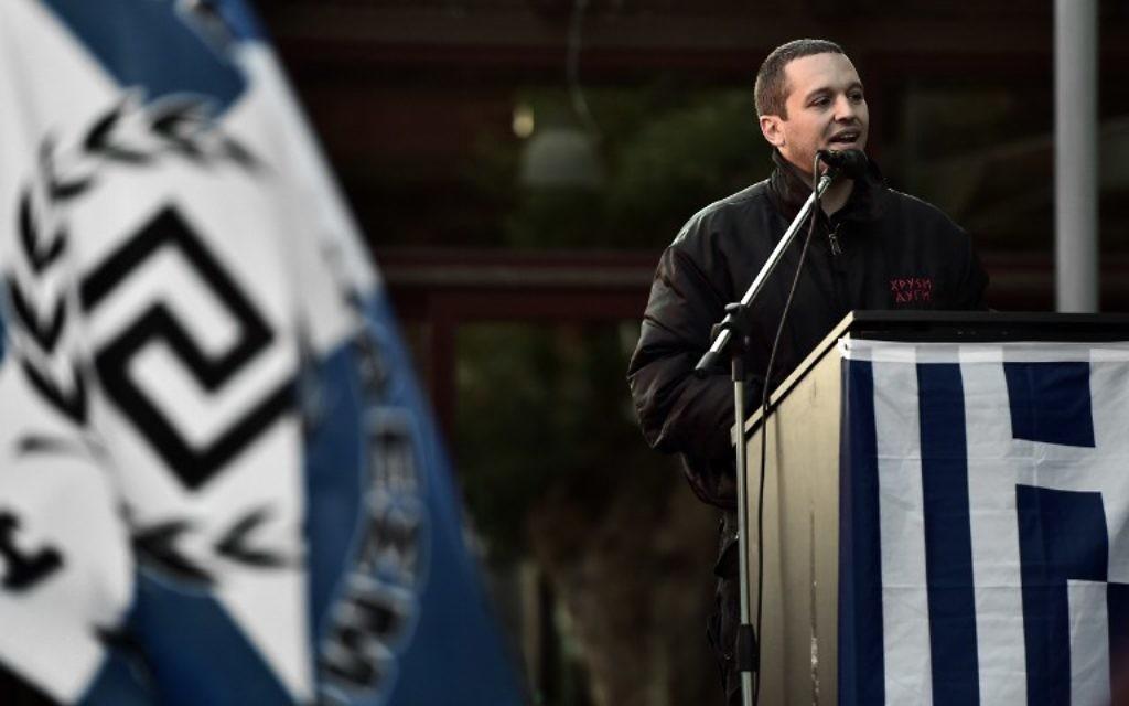 Le porte-parole du parti néo nazi grec Aube dorée Ilias Kasidiaris (Crédit : AFP)