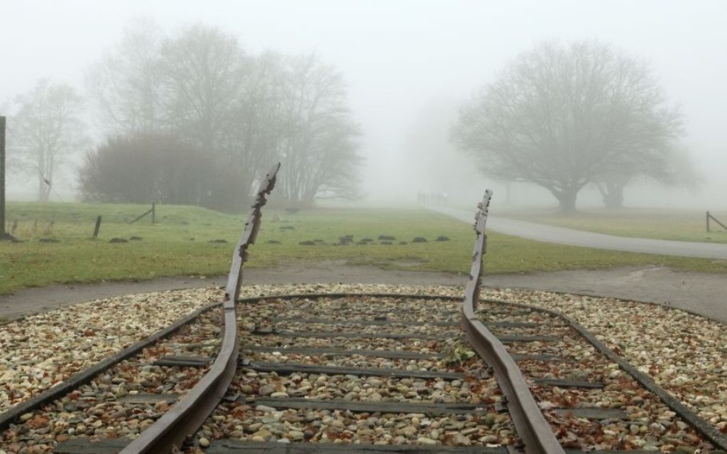 Mémorial de Westerbork, camp de transit pour les Juifs néerlandais déportés vers l'Allemagne. (Crédit : Patricia Hofmeester/Shutterstock.com)