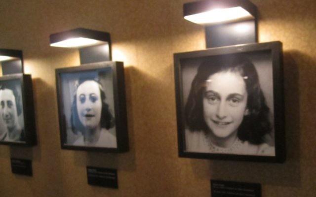 Portraits de Anne Frank, sa sœur Margot et sa mère Edith exposés à l'intérieur de la Maison Anne Frank (Crédit : Matt Lebovic)