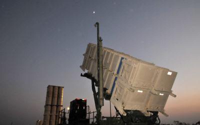 Un système antimissile Patriot en Israël (Crédit : Shay Levy/Flash 90)