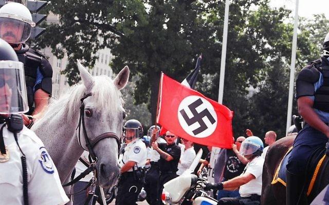Un rassemblement de néo nazis à Washington (Crédit / CC BY Elvert Barnes Flickr)