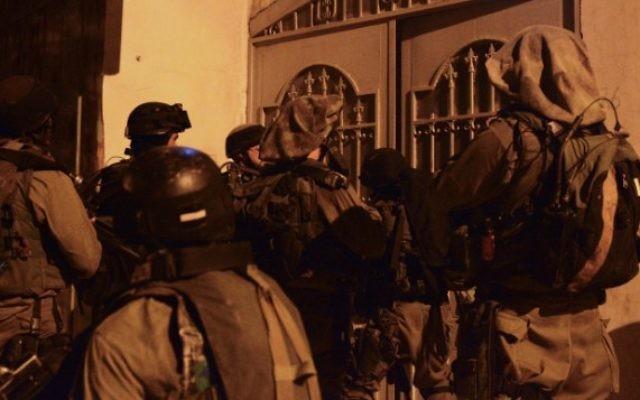 La Brigade 931 du Nachal patrouillant près de Naplouse en Cisjordanie (Crédit : Porte-parole de l'armée israélienne/Flash90)
