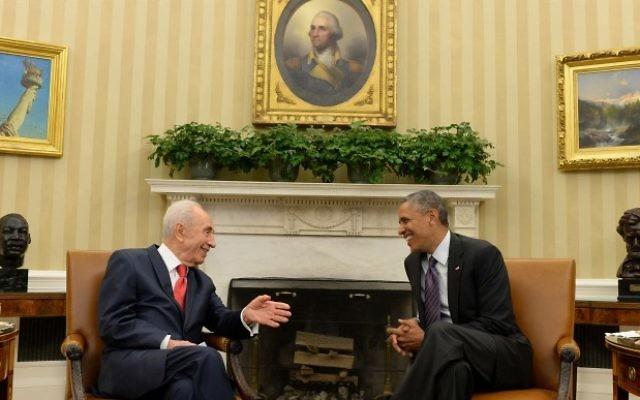 Shimon Peres et Barack Obama à Washington (Crédit : Mandel Ngan/AFP)