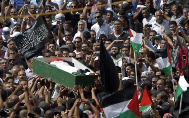 Funérailles de Muhammed Abu Khdeir, le 4 juillet 2014. (Crédit : Ahmad Gharabli/AFP)