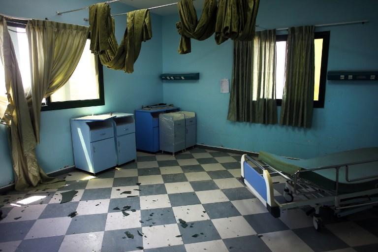 Une chambre d'hôpital à l'hôpital Wafa après un raid israélien (Crédit : AFP/THOMAS COEX)