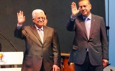 Mahmoud Abbas et Recepp Tayipp Erdogan (Crédit : OZAN KOSE / AFP)