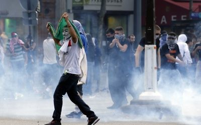 Rassemblement à Paris alors que les autorités françaises l'avaient interdit - 26 juillet 2014 (Crédit : AFP)