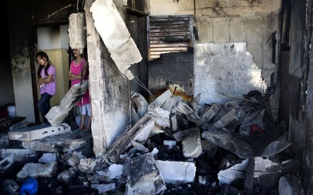 Le niveau supérieur d'une maison après démolition par l'armée israélienne. Illustration. (Crédit : Elhanan Miller/Times of Israël)
