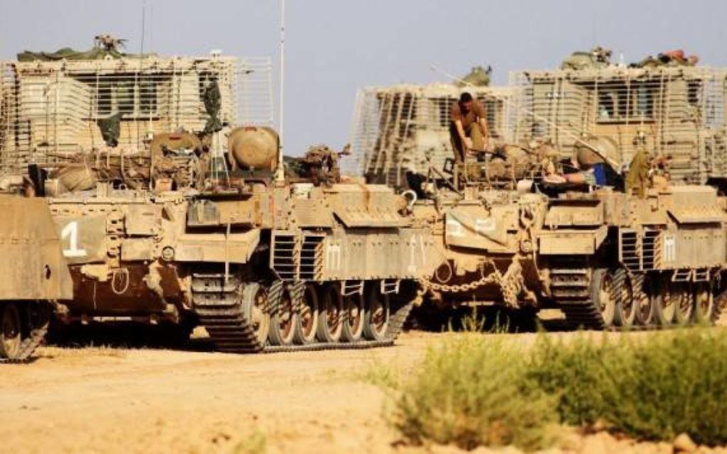 Des chars israéliens (Crédit : Flash 90)