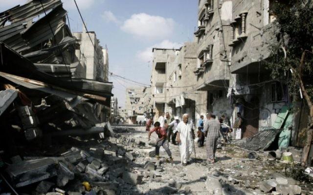 Une rue à Gaza pendant l'opération Bordure protectrice (Crédit : AFP)