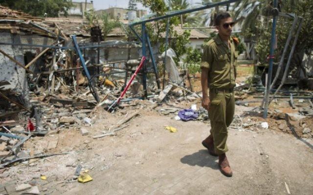 Un soldat israélien dans la bande de Gaza (Crédit : AFP)