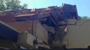 Maison détruite à Shaar Hanegev (Crédit : capture d'écran Deuxième chaîne)