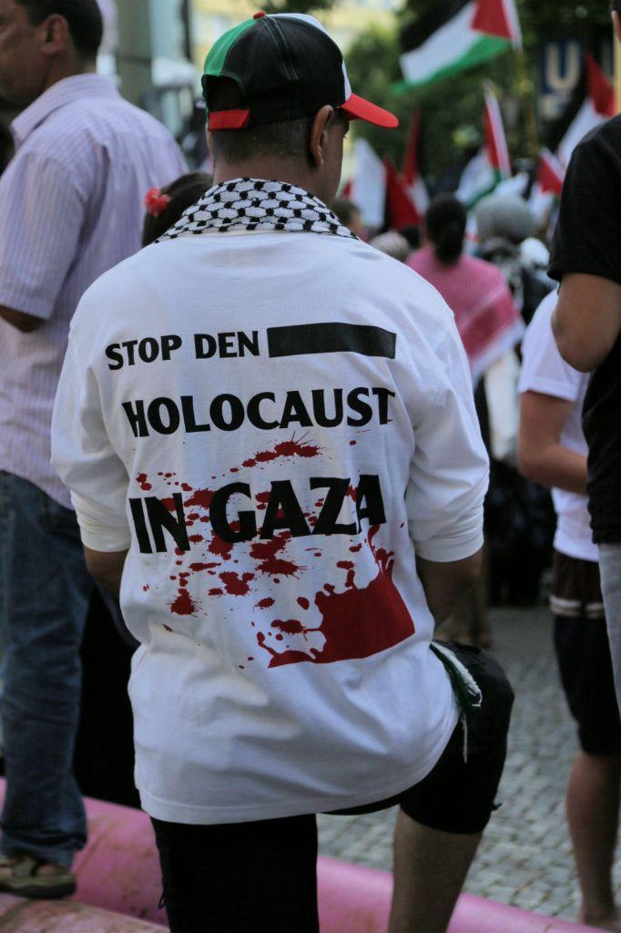 Manifestation pro-Gaza à Berlin - 18 juillet 2014 (Crédit : Micki Weinberg/The Times of Israel)