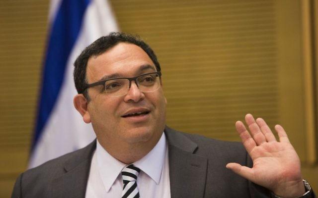 L'ancien ministre de l'Education, Shai Piron, le 26 août 2013 (Crédit : Yonatan Sindel/Flash90)
