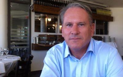 Richard Kemp, à Jérusalem, en juillet 2014. (Crédit : Times of Israël)