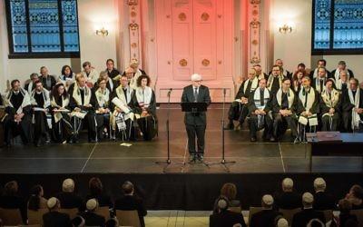 Le ministre allemand des Affaires étrangères Frank-Walter Steinmeier (C) prend la parole lors de l'ordination de rabbins à Wroclaw, en Pologne, le 2 septembre 2014 (Crédit : AFP PHOTO / PAP / MACIEJ Kulczyński POLOGNE OUT)
