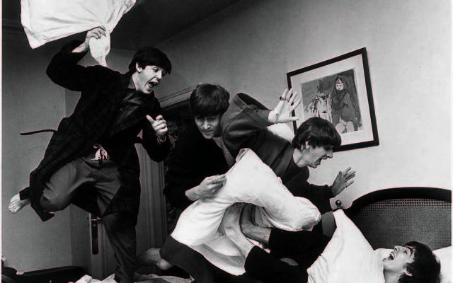 Les Beatles (Crédit : Harry-Benson)