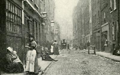 Vue sur Dorset street, rue principale du quartier de Whitechapel où sévissait Jack l'éventreur (Crédit : domaine public)