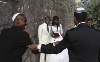 Un mariage juif éthiopien dans la Vieille Ville de Jérusalem. Illustration. (Crédit : Nati Shohat/Flash90)